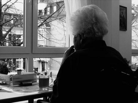 2025邁向超高齡社會!老人長期照顧的重要性